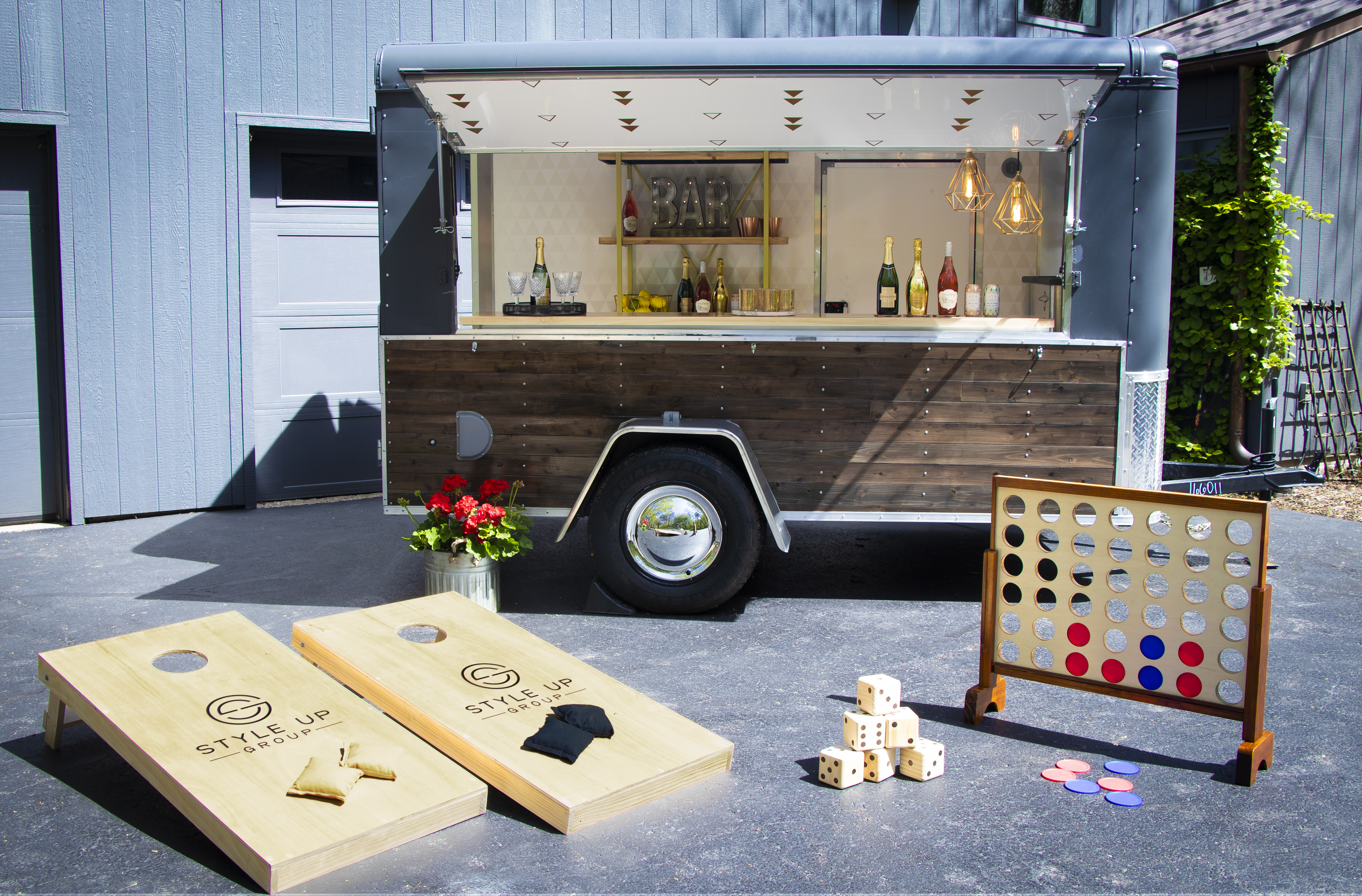 Mobile Bar with Games